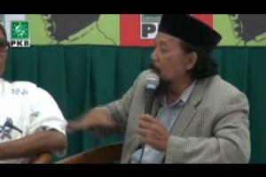Kiai, peneliti, budayawan, aktivis NU, Agus Sunyoto berikan Testimoni KH Abdurrahman Wahid (Gus Dur) dlm acara Haul Gus Dur ke-5