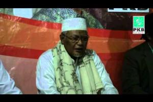 Dewan Syuro dan Pengurus DPP PKB dalam rangkaian Ziarah Wali Songo dimakam Sunan Muria & Kudus, Jateng