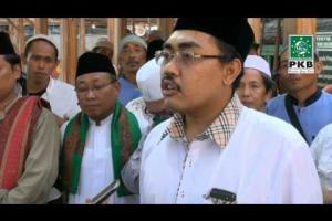 Wasekjend DPP PKB, Pengurus dan puluhan Kiai dalam rangkaian Ziarah Wali Songo di Makam Sunan Giri Gresik, Jatim