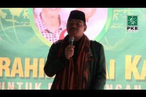 Dewan Syuro dan Pengurus DPP PKB dalam rangkaian Ziarah Wali Songo bersilaturahmi dengan Kiai Kampung Cirebon, Jabar